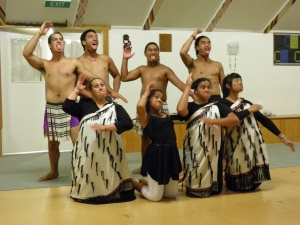 Maori Entertainment