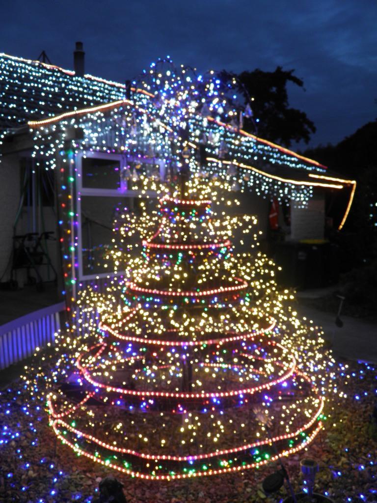 Extreme Christmas Decorations Mistynites