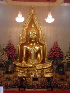 Buddha at Wat Traimit