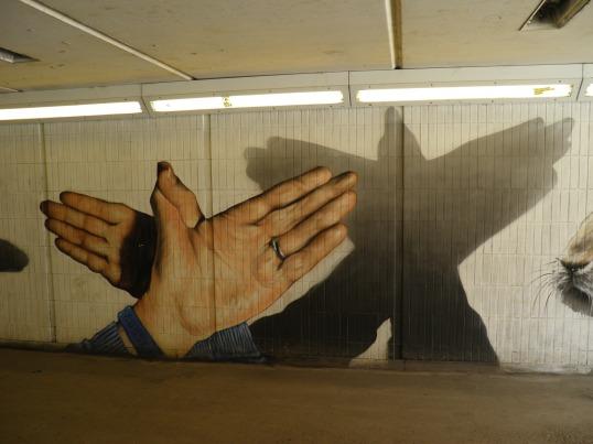 Hand Shadow Puppets, Art Pistol