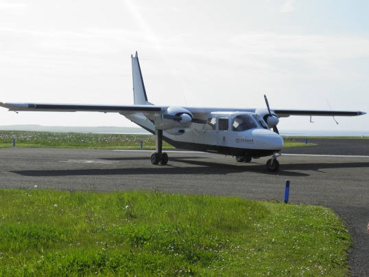Loganair inter-island plane at Papay airfield