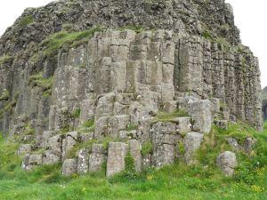 Basalt columns at Dverghamrar