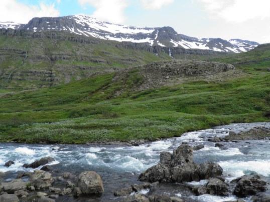 Mountain view from Gufufoss