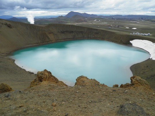 Geothermal plant behind Víti crater lake