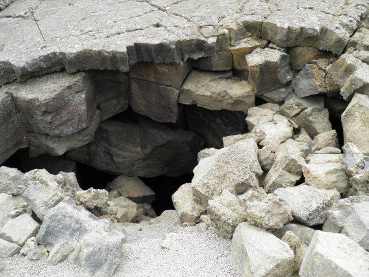 Entrance to Grjótagjá
