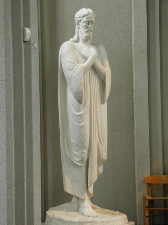 Statue in Hallgrímskirkja
