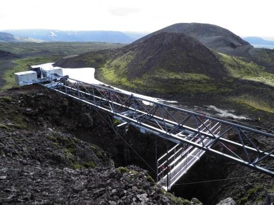 Crater rim of Þríhnúkagígur