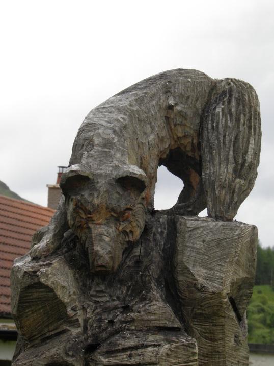 Fox tree carving